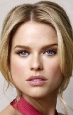 Alice Eve movies and biography.