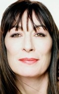 Actress, Director, Producer Anjelica Huston - filmography and biography.