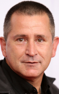 Actor, Director, Writer, Producer Anthony LaPaglia - filmography and biography.