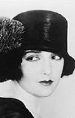 Actress, Writer, Producer Bebe Daniels - filmography and biography.