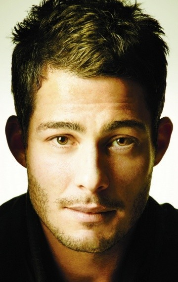 Actor Brian Hallisay - filmography and biography.