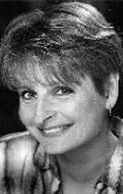 Actress Cathy Weseluck - filmography and biography.