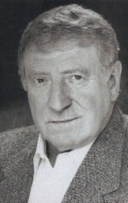 Actor Clive Revill - filmography and biography.