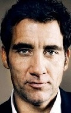 Actor, Producer Clive Owen - filmography and biography.