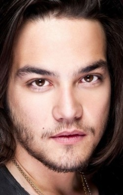 Actor Daniel Zovatto - filmography and biography.