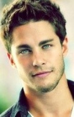 Actor, Producer Dean Geyer - filmography and biography.
