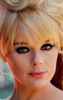 Actress Elke Sommer - filmography and biography.