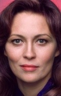 Actress, Director, Writer, Producer Faye Dunaway - filmography and biography.