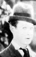 Actor, Director, Writer, Producer, Editor Harry Langdon - filmography and biography.