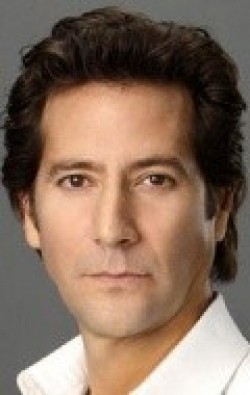 Actor, Director, Writer, Producer Henry Ian Cusick - filmography and biography.