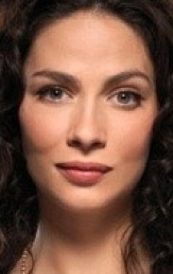 Actress Joanne Kelly - filmography and biography.
