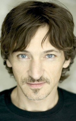John Hawkes movies and biography.