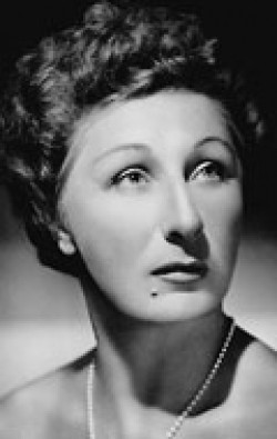 Actress Judith Anderson - filmography and biography.
