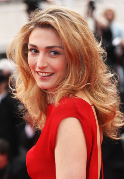 Actress, Producer Julie Gayet - filmography and biography.