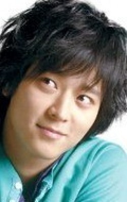 Kang Dong-won movies and biography.