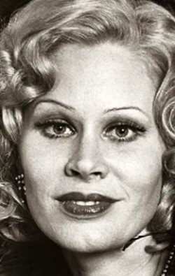 Actress, Writer, Producer, Composer Karen Black - filmography and biography.