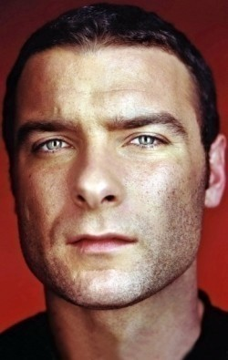 Actor, Director, Writer, Producer Liev Schreiber - filmography and biography.
