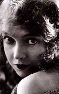 Actress, Director, Writer, Producer Lillian Gish - filmography and biography.