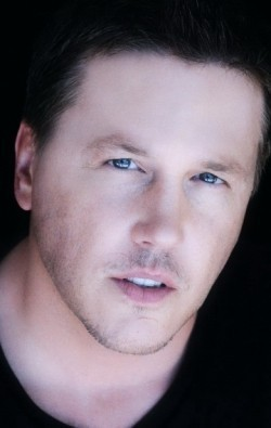 Actor, Producer Lochlyn Munro - filmography and biography.