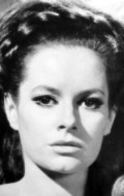 Actress Luciana Paluzzi - filmography and biography.