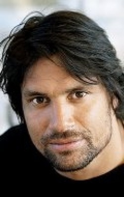 Actor, Director, Producer Manu Bennett - filmography and biography.