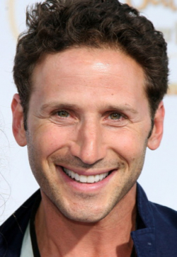 Actor, Director, Producer Mark Feuerstein - filmography and biography.