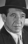 Mike Mazurki movies and biography.