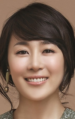 Moon Jeong-hee movies and biography.