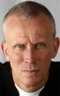 Peter Weller movies and biography.
