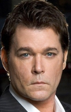 Actor, Producer Ray Liotta - filmography and biography.