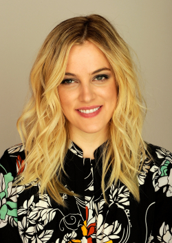 Riley Keough movies and biography.
