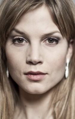 Actress Sylvia Hoeks - filmography and biography.