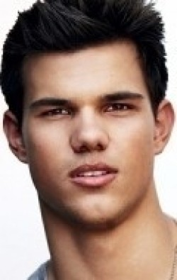 Actor Taylor Lautner - filmography and biography.