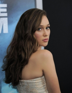 Alycia Debnam-Carey - best image in filmography.