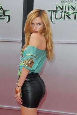 Bella Thorne - best image in biography.