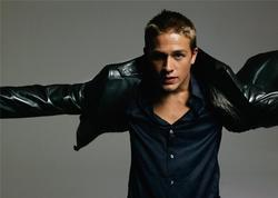 Charlie Hunnam - best image in filmography.