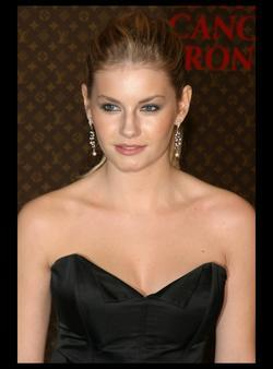 Elisha Cuthbert - best image in biography.