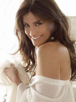 Idina Menzel - best image in filmography.