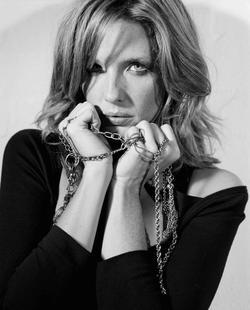 Kelly Reilly - best image in biography.