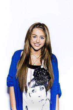Miley Cyrus - best image in filmography.