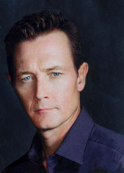 Robert Patrick - best image in filmography.