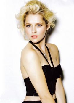Teresa Palmer - best image in filmography.